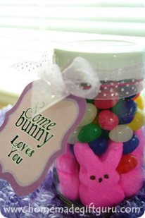 Here's how to make a cute little Easter jar gift using these free Easter printables...