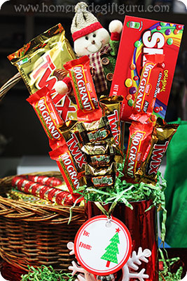 Learn from this homemade gift website, how to make candy bouquets so you'll always have a fun, creative and affordable gift idea up your sleeve!