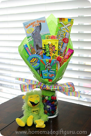 DIY Easter Candy Bouquet with Easy Instuctions!