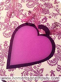 Free gift tags in the shape of hearts...