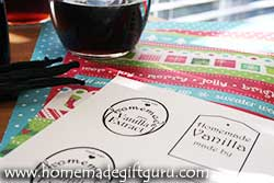 Get one of two sets of free homemade vanilla bean extract gift tags for your personal use...