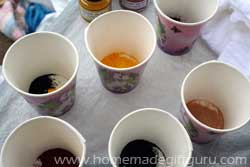 You can choose to apply dye using cups or squeeze bottles...