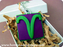 Make a Aries symbol art charm with this polymer clay tutorial...