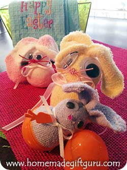 Click here to make your own baby sock sock bunnies...