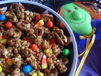 Make Halloween Popcorn with this festive caramel popcorn recipe...