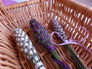 Lavender Crafts and Lavender Bottles are a fun, nearly free flower craft...