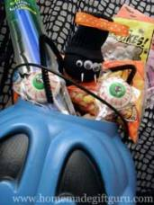 More Halloween gift ideas... get tips and suggestions for great Halloween gift baskets here.