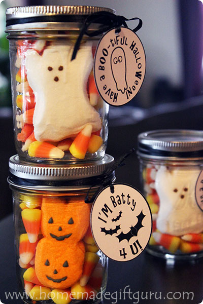Peeps in a jar gifts make adorable Halloween candy ideas. My favorite is the Ghost in a Jar Gifts. Free Halloween printables included...