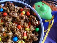 You may also like this delicious sweet and salty candy corn studded Halloween popcorn. Yum!