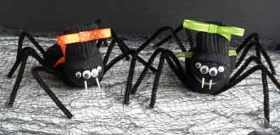 Make your own no-sew tube sock sock spiders. Make them for kids or let the kids make them. Better yet, make it a family sock craft day and create a family of adorable creepy crawly sock spiders.