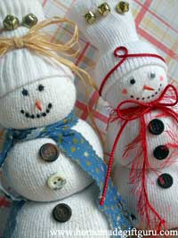 Make your own sock snowmen for a super cute Christmas craft gift idea!