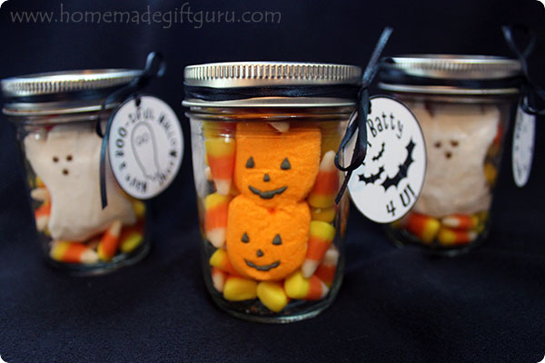 Creating these little jar gifts full of Halloween spirit is simple, especially with the free Halloween printables included...