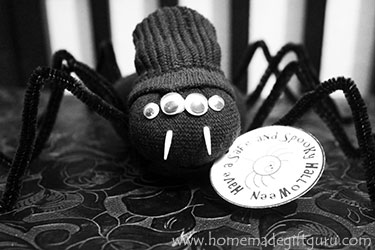 Print a few of these spider-themed Halloween gift tags and then head on over to this super cute DIY no-sew sock spider tutorial for an adorable homemade Halloween gift idea...